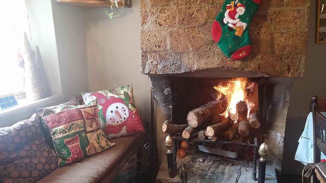 Chimenea Restaurante Casa Ortas Albas Nocito