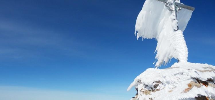 Ascensión de invierno, punta de Guara con nieve